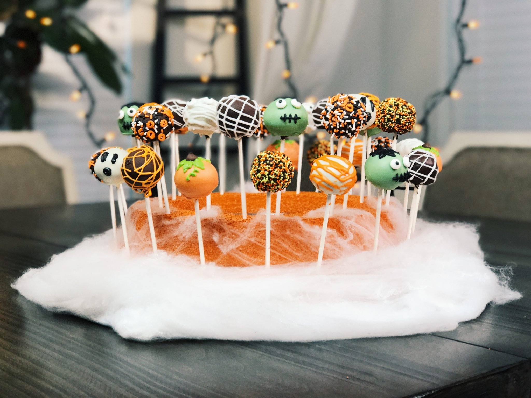 halloween-brownie-pops